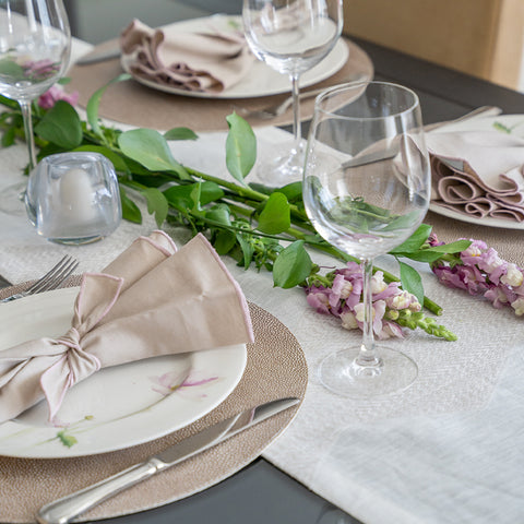 Flower Blush Tablesetting Idea