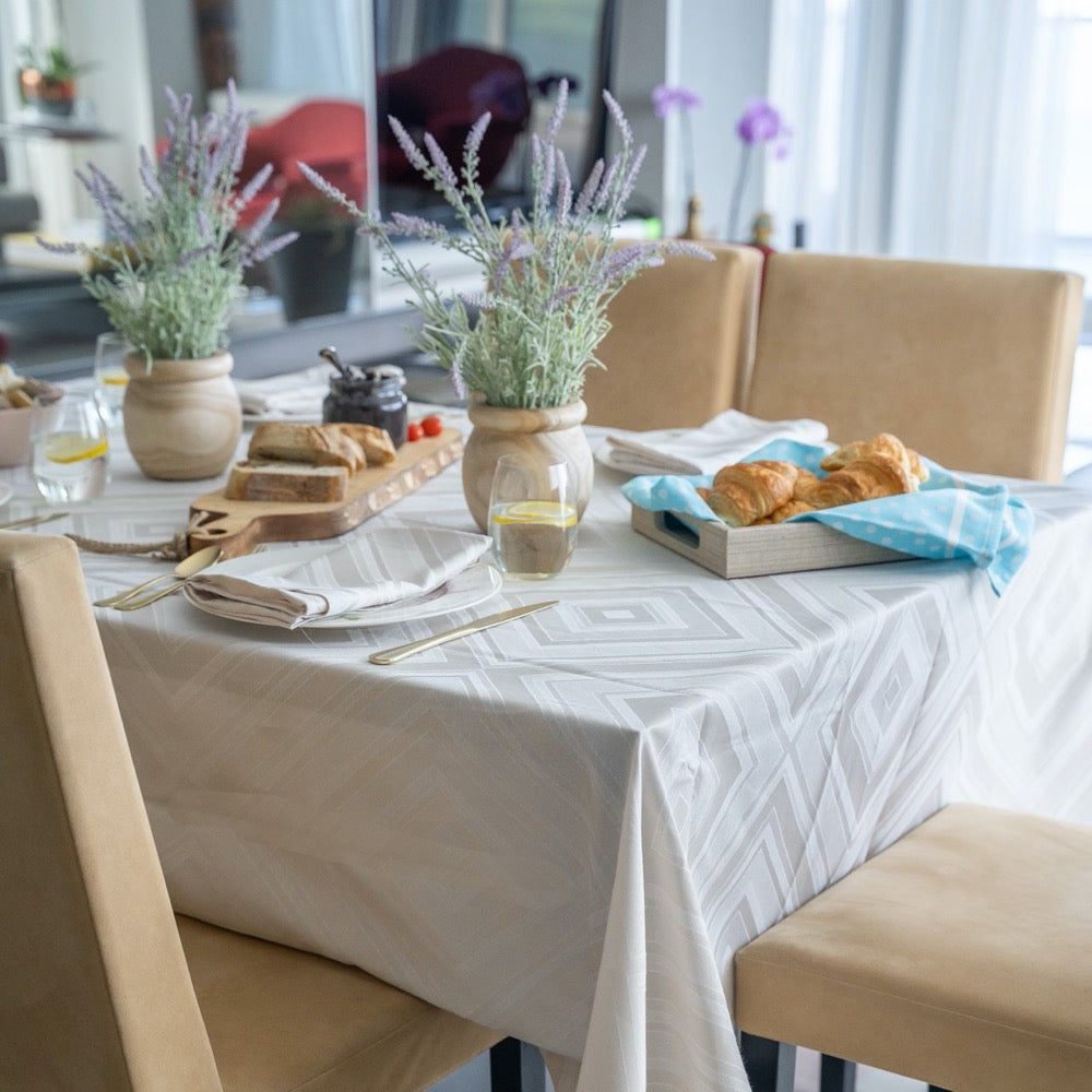 Brussels tablecloth taupe with matching napkins