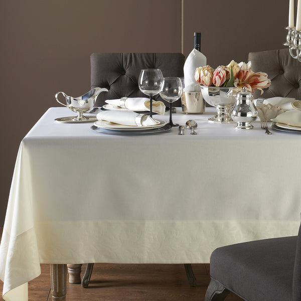 Mode Living wine resistant Geneva cream tablecloth