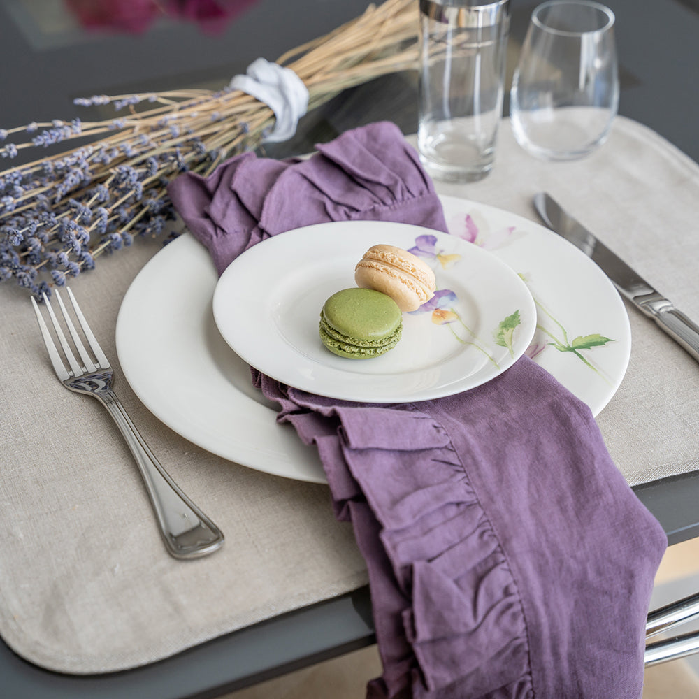 Mode Living Lucca napkins ruffles purple