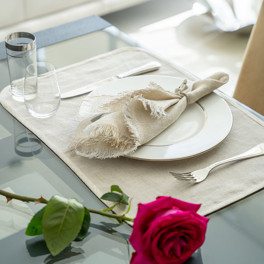 Milano Placemats with Venice Fringe Napkins