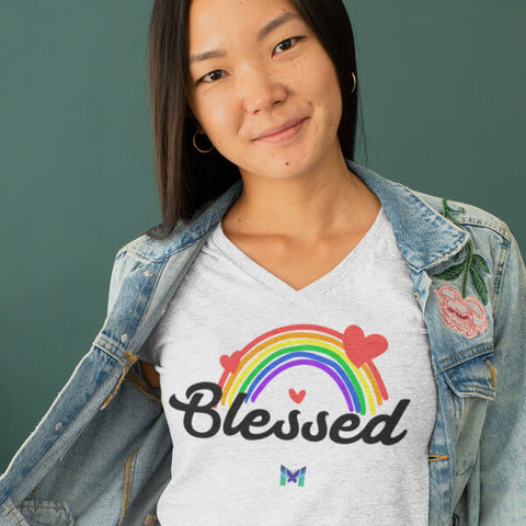 Woman Wearing Light Grey Blessed V-Necik Shirt