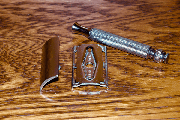 1962 Gillette Tech 3 Piece Safety Razor + Free Shaving Soap