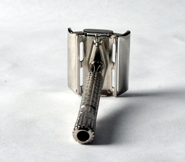 1954 Gillette Super Speed Flair Tip Safety Razor + Free Shaving Soap
