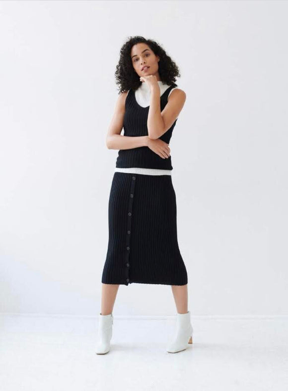 Ribbed Button Skirt