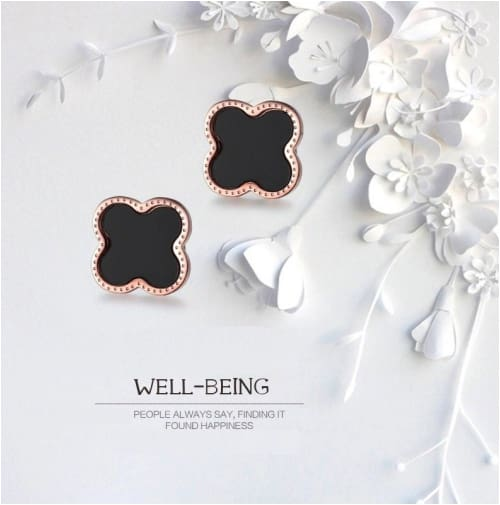 CLOVER STUDS Black Earrings