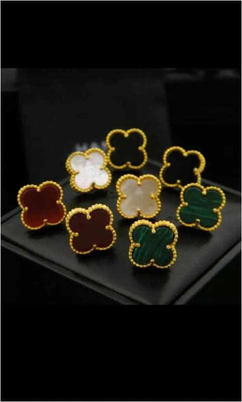 CLOVER STUDS Green Earrings