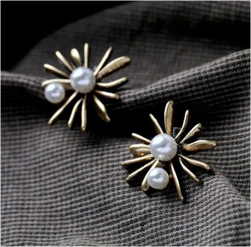 LE AMORE STUDS Le Amore Earrings Earrings
