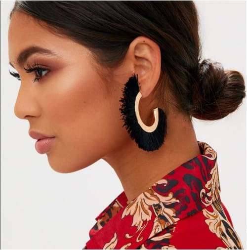 RUTH CURVED TASSELS Black Earrings
