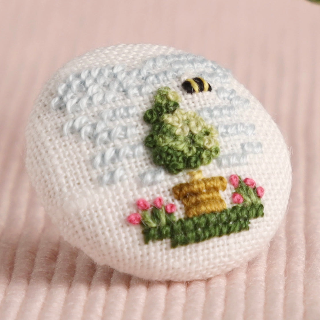 Little Topiary: Hand-Embroidered Pin