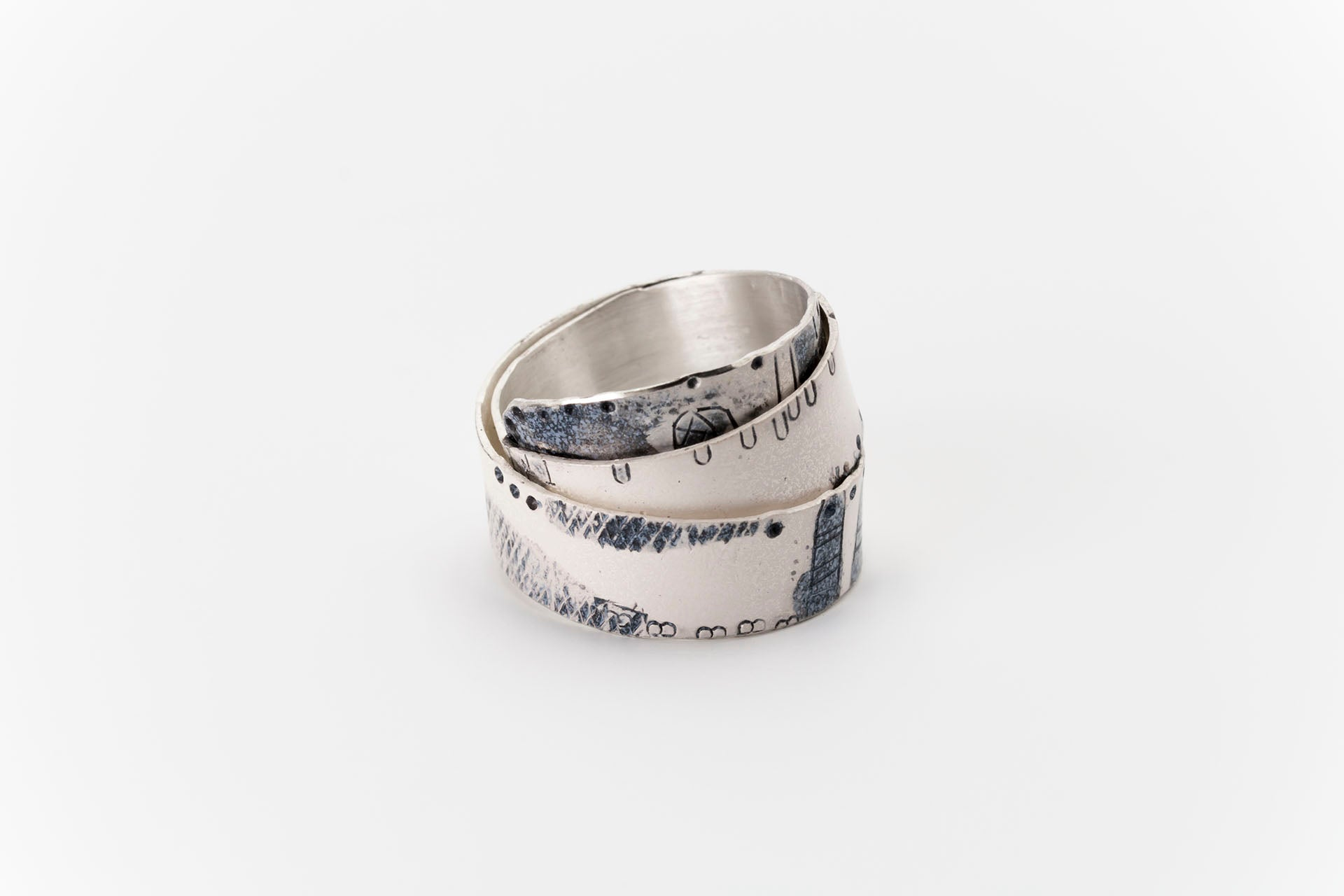 Sterling Silver Wrap-over Art Ring: Deco Echo