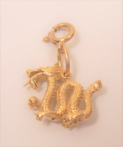 Dragon charm, 18k yellow gold; Pre-adored