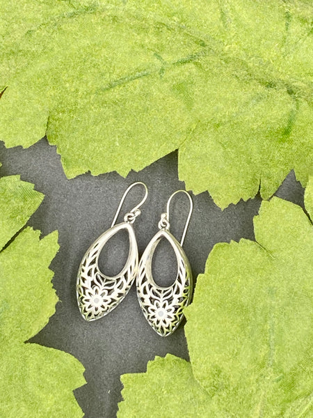 Retro Silver Drop Dangle Earrings - Magpie.Kiwi