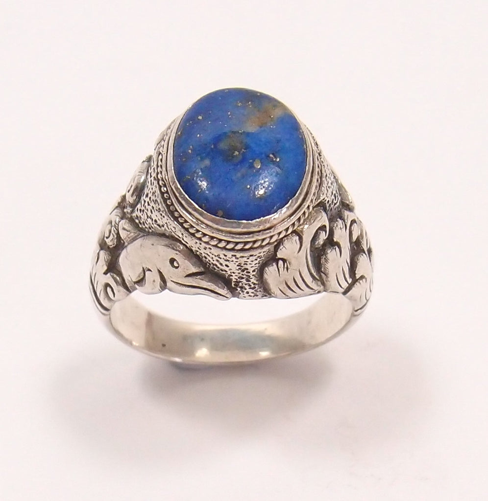 Lapis Lazuli and Sterling Silver Ring: Pre-Adored - Magpie.Kiwi