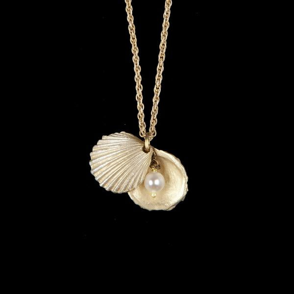 Shell pendant with Pearl - Michael Michaud - Magpie.Kiwi