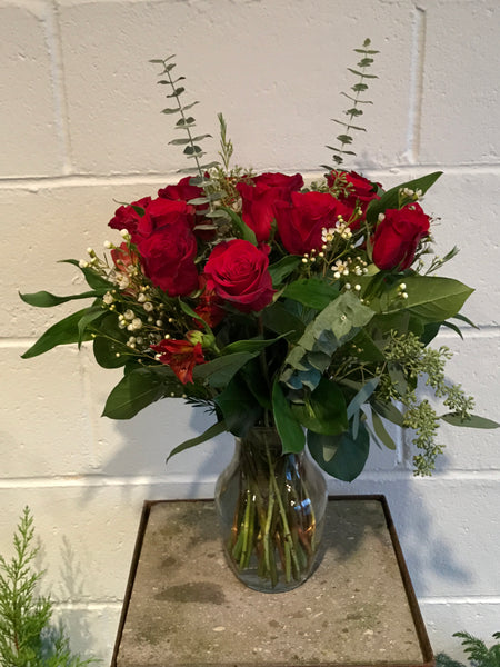 1 Dozen Roses with accent flowers