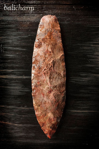 North American Indian chert lance-blade from Missouri, USA