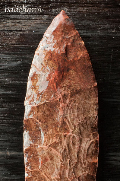 Chert blade from North American Indian lance found in Missouri, United States of America