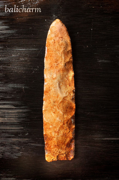 Native American Indian chert spear head from Missouri, USA