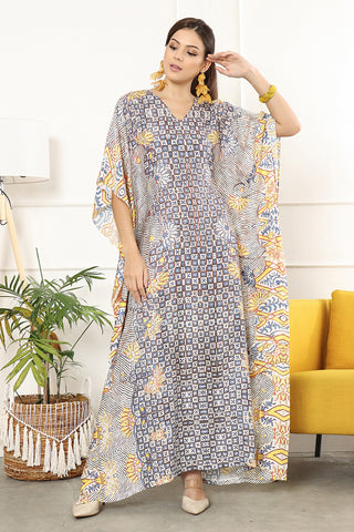 Kanzi Short Sleeve Batik Flower Kaftan