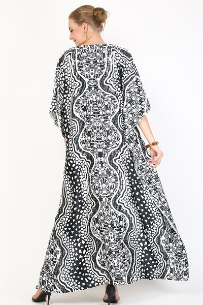 Kanzi Short Sleeve Black and White Batik Kaftan