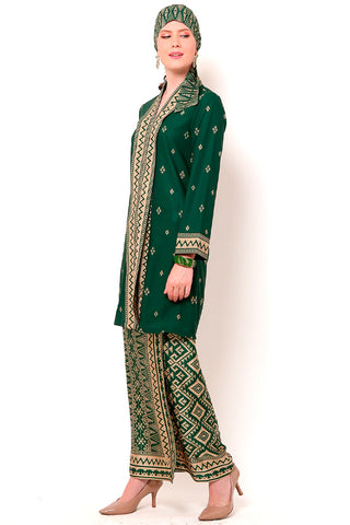 Kanzi Green Kebaya Set with Sarong