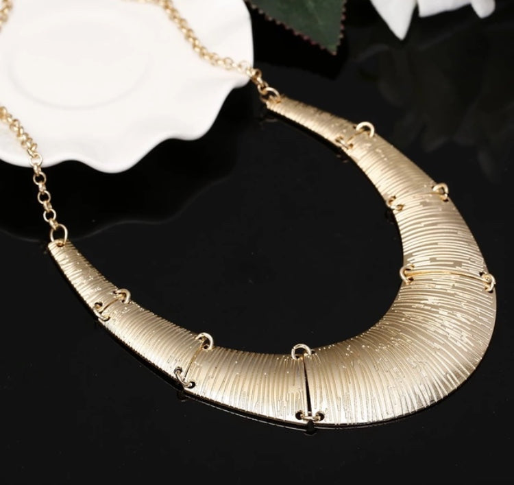 Gold Maxi Necklace - LX Crafts Co