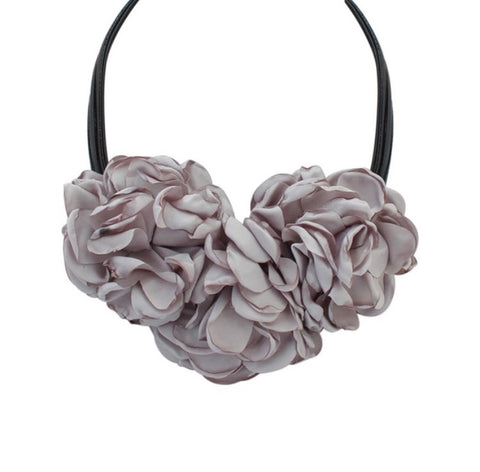 Flower Fabric Necklace - LX Crafts Co