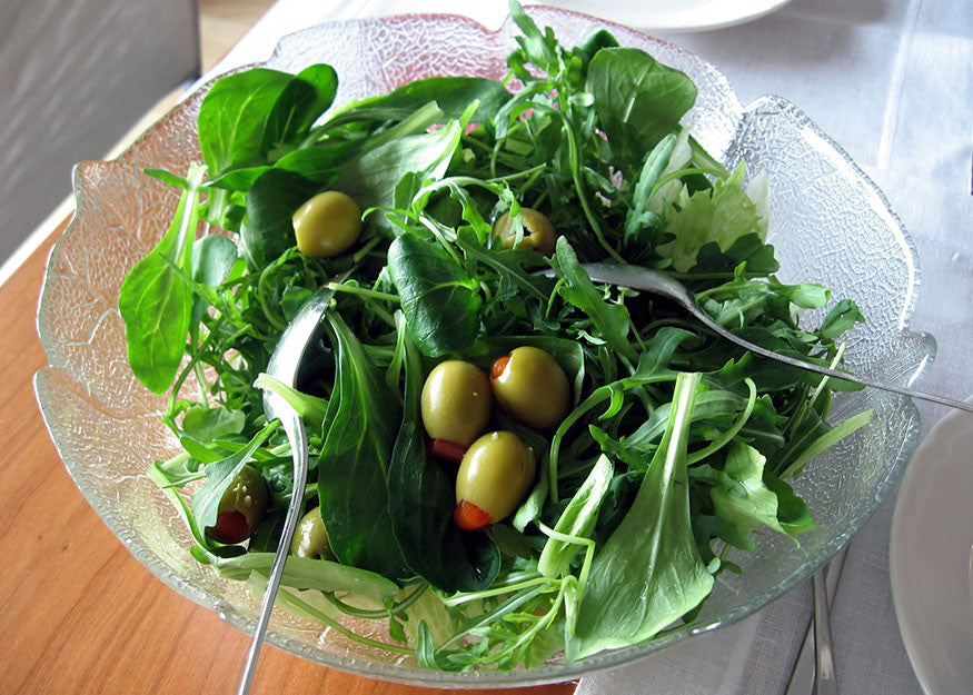 Tips on making a clean and crisp salad.