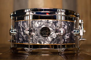 DW 12 X 7 COLLECTORS SPECIALITY EDGE BRASS / MAPLE SNARE DRUM, GREY MARINE FINISH PLY (PRE-LOVED)