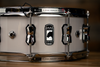 MAPEX BLACK PANTHER VENOM 14 X 5.5 MAPLE SNARE DRUM, ARCITC WHITE SOLID LACQUER
