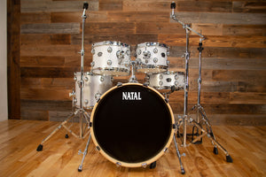 NATAL ARCADIA F20 5 PIECE DRUM KIT WITH STANDS, WHITE SPARKLE