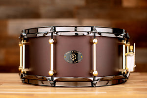 NOBLE & COOLEY 14 X 6 ALLOY CAST ALUMINIUM, MATTE BURGUNDY, BRASS LUGS, BLACK CHROME HOOPS