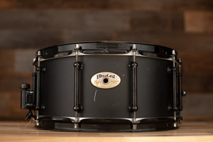 PEARL 14 X 6.5 ULTRACAST CAST FORMED ALUMINIUM SNARE DRUM, BLACK LACQUERED, (PRE-LOVED)