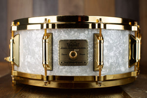 REMO 14 X 5.5 LOUIS BELLSON SIGNATURE SNARE DRUM, WHITE MARINE PEARL, GOLD HARDWARE (PRE-LOVED)