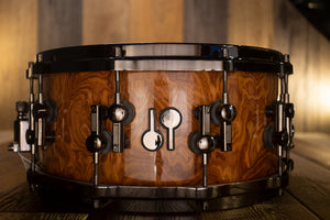 SONOR 14 X 6.5 SQ2 MEDIUM MAPLE SNARE DRUM, WALNUT ROOTS HIGH GLOSS VENEER WITH BLACK CHROME FITTINGS (PRE-LOVED)