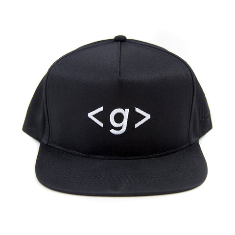 Grandeur Black < g > Logo Structured SnapBack Hat