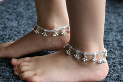 Stunning Diamante Anklet/Kids ankle chain bracelet with bell/Indian kids bell payal/Bollywood kids Anklet/Wedding kids foot chain with bell