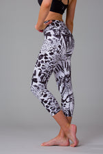 Snow Leopard Women's 7/8 Leggings