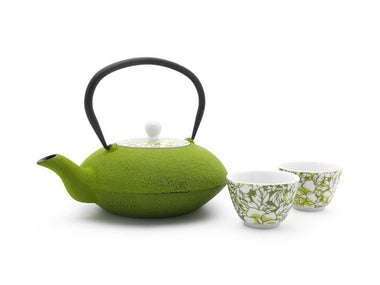 Bredemeijer® Yantai 40 Oz Cast Iron Teapot with Porcelain Lid with 2 Porcelain Tea Mugs - green