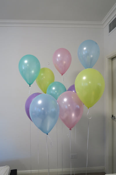 pastel colour balloon arrangement