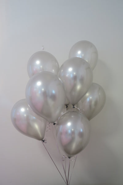 Silver helium balloon table bouquet