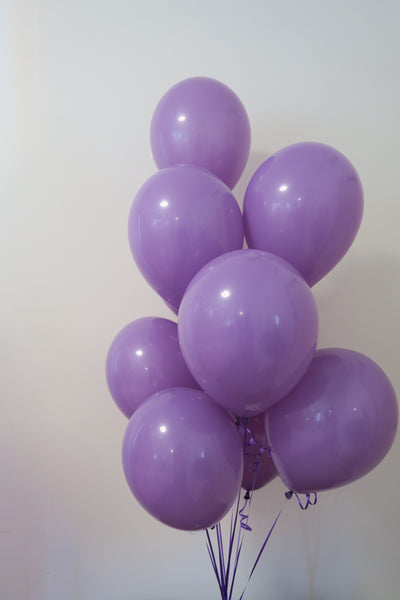 Lilac helium balloon table bouquet