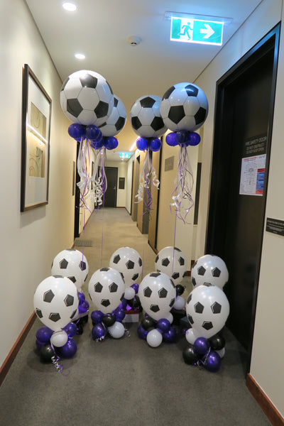 Soccerball Orbz  balloon bouquet and  table center piece