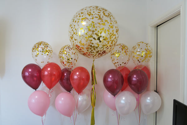 Gold confetti helium balloon bouquet