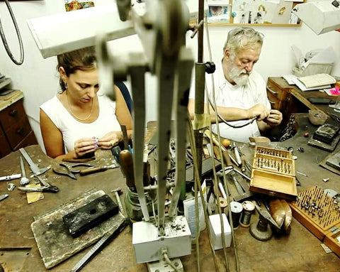 Master of goldsmith Guy Kristin &  jewelry designer Yaarit Yaakobovich Semoיערית וקריסטין
