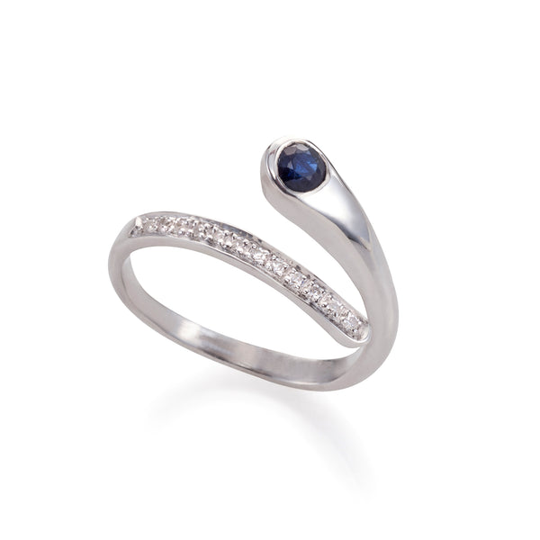 Sparkling Hug ring whith Blue Sapphire & diamonds