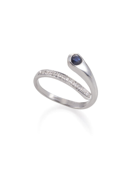Sparkling Hug Ring with blue sapphire and diamonds