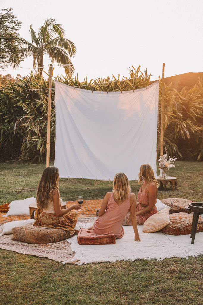 How to set up a stunning outdoor cinema