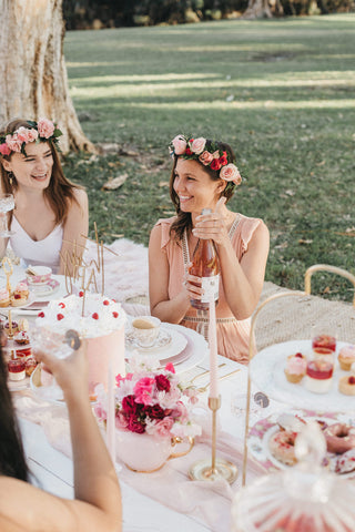 create the perfect spring picnic